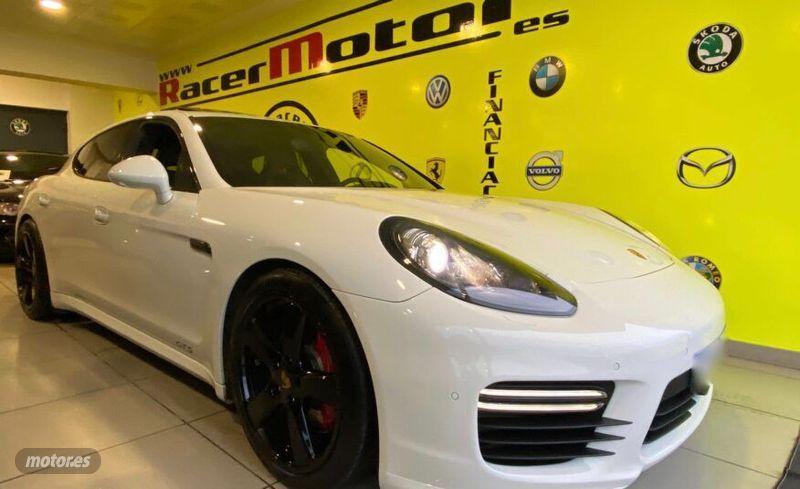 Porsche Panamera  GTS PDK